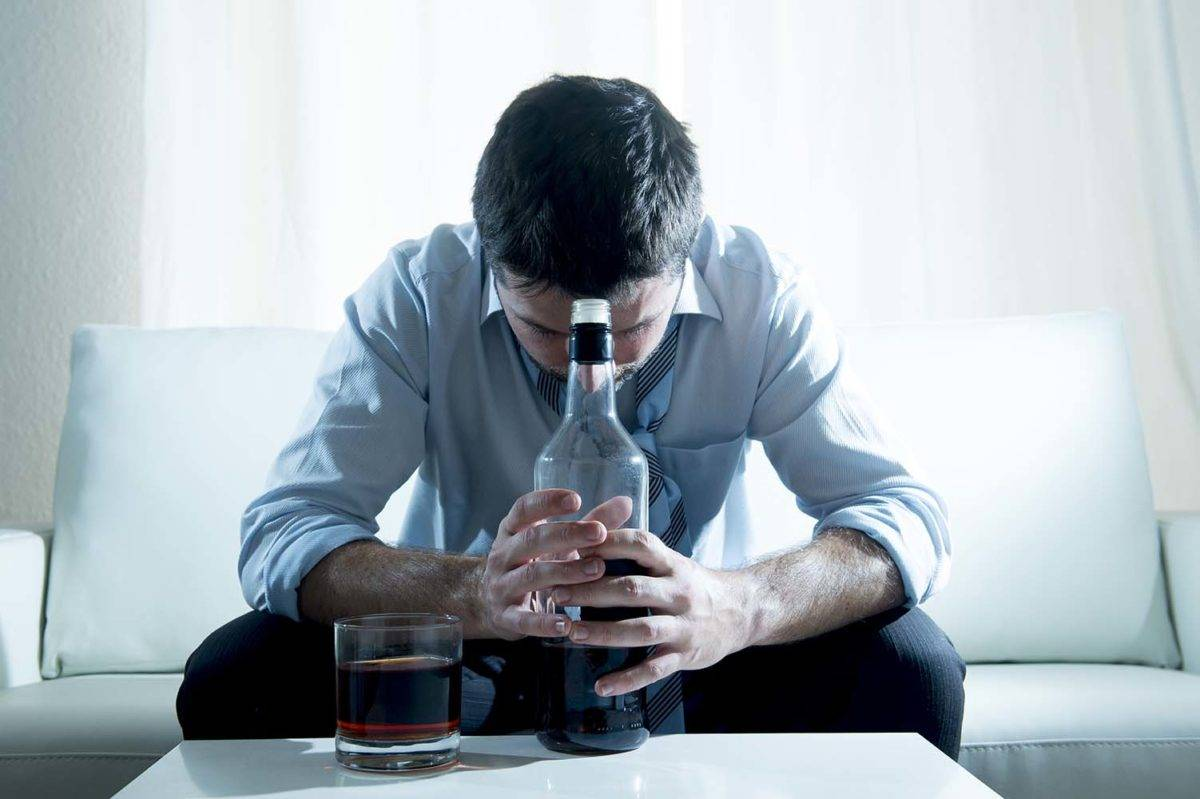 Латентный алкоголик. как помочь близким? видео в тему