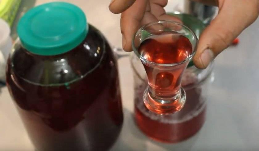 Вино, ликер и настойка из малины – 6 проверенных рецептов