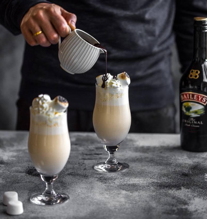 Пьем бейлис правильно и учимся делать коктейли