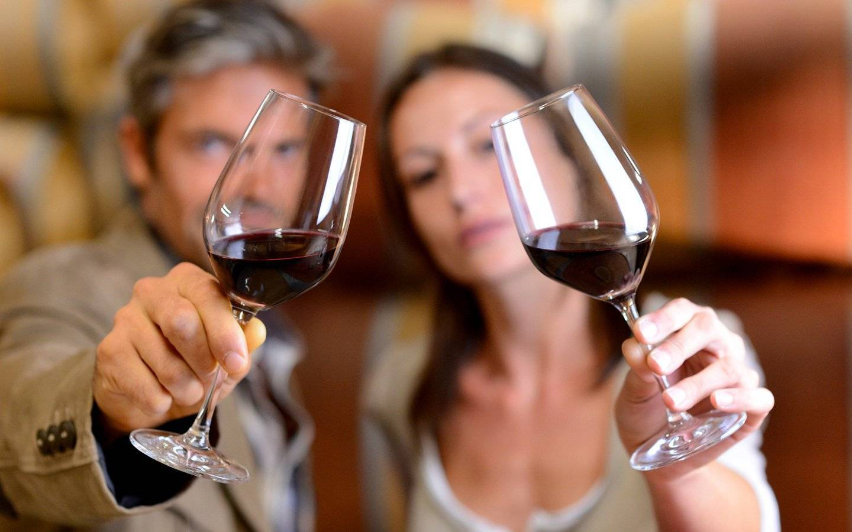 20 причин, чтобы пить по бокалу вина каждый день