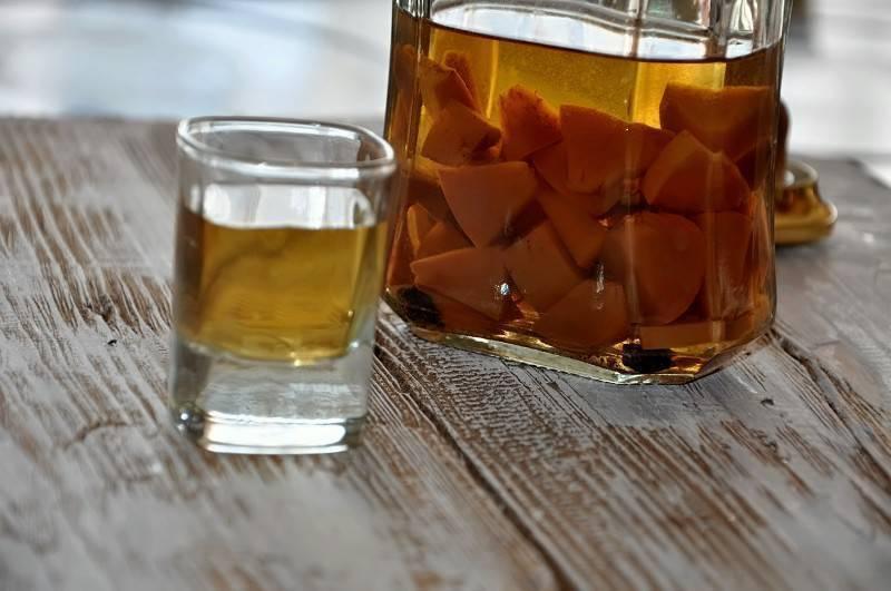 Как лечиться настойкой золотого уса на водке?