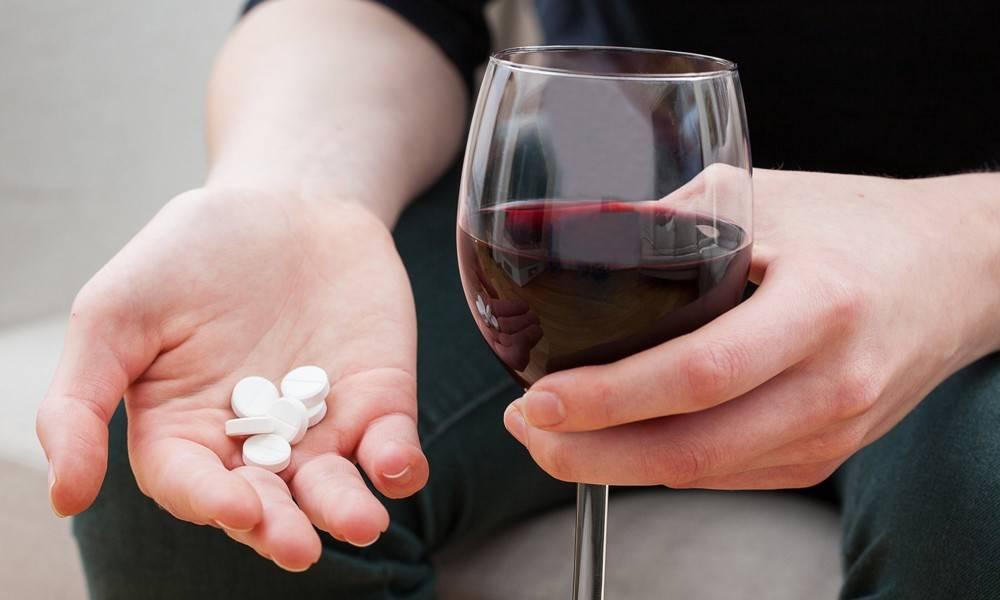 Эскапел и алкоголь - совместимость: можно ли принимать одновременно и через сколько можно пить