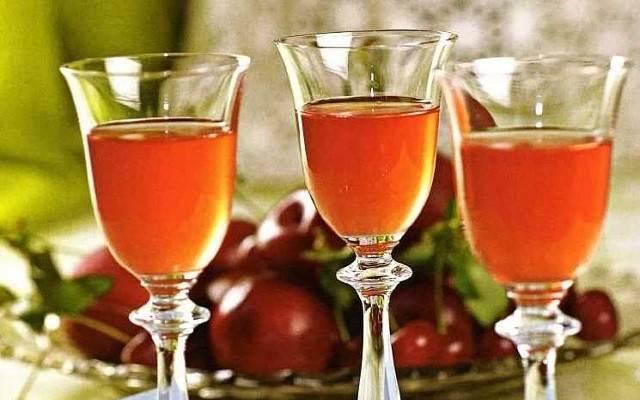 Домашнее абрикосовое вино — несколько необычных рецептов