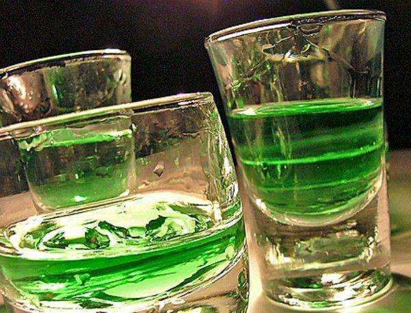 Не будь профаном: как правильно пить абсент