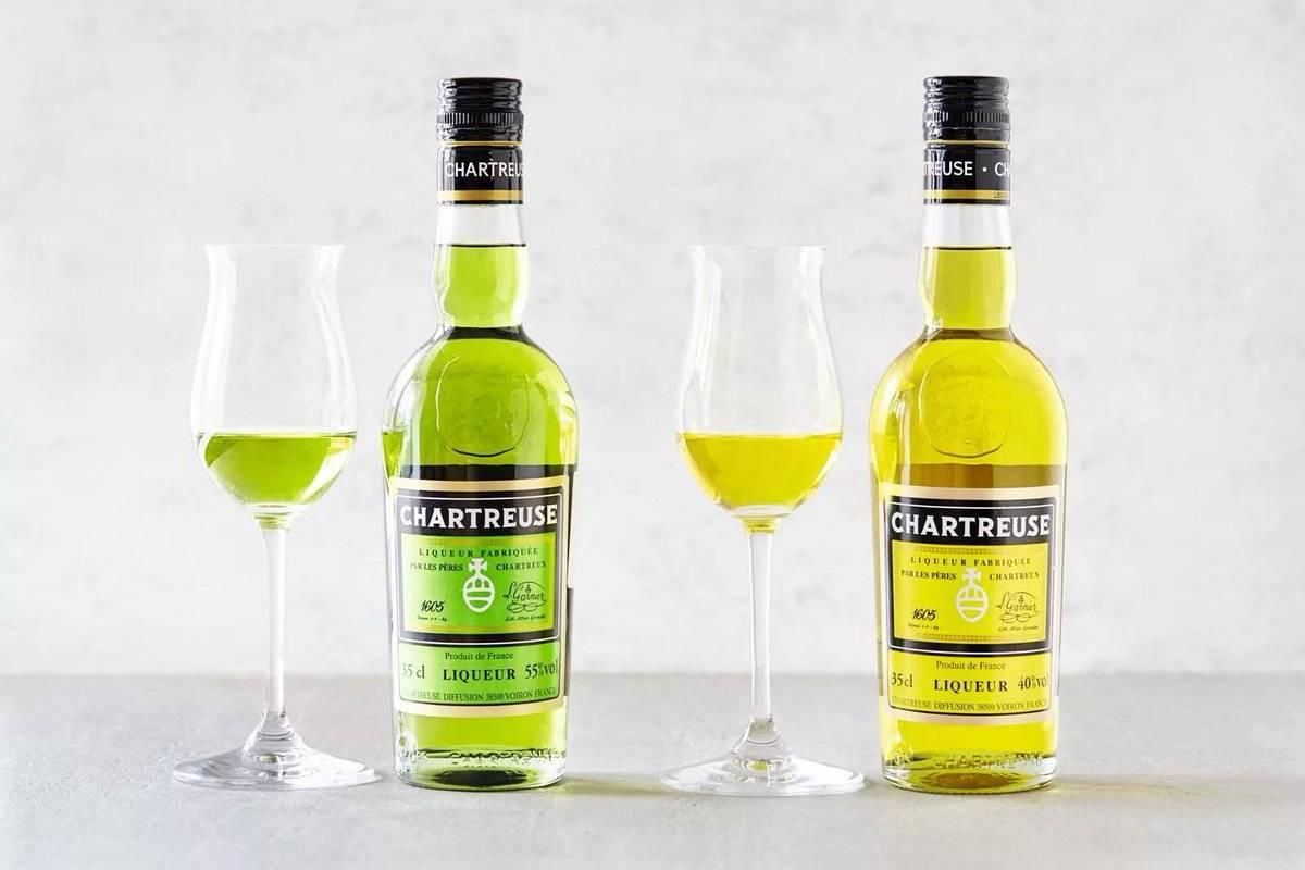 """Ликер """"шартрез"""": как делают зеленый напиток, разновидности и история изобретения, рецепт домашнего ликера"""