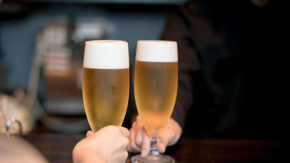 Пиво безалкогольное: польза и вред для здоровья женщин, особенности употребления
