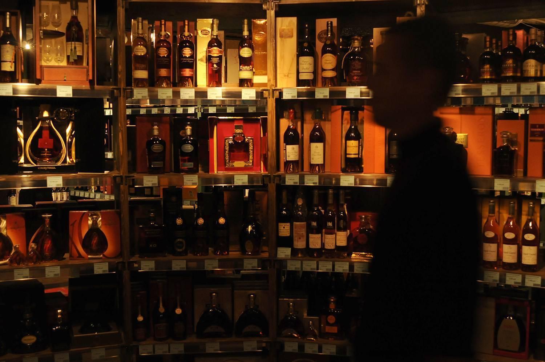 Греховные инвестиции: как заработать на сигаретах, алкоголе и казино