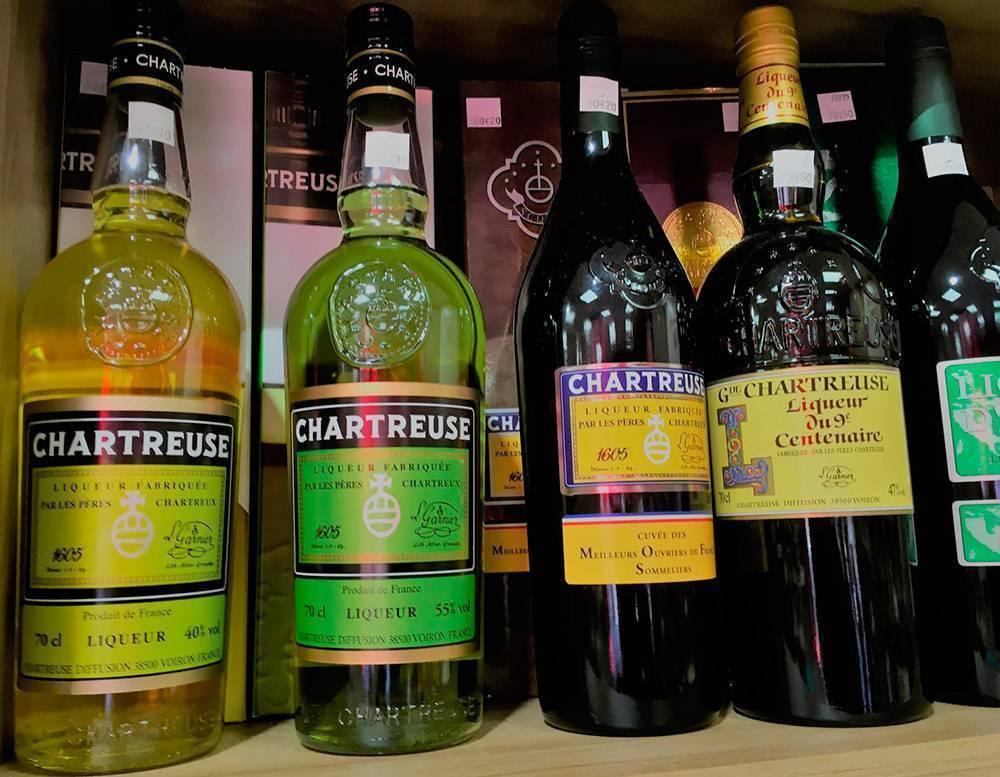 Шартрез ликер: как называется напиток зеленого, желтого цвета, как приготовить в домашних условиях