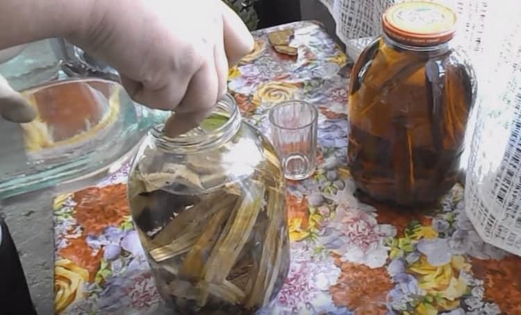 Как сделать коньяк из чачи: лучшие рецепты на дубовой щепе, коре и колышках в домашних условиях