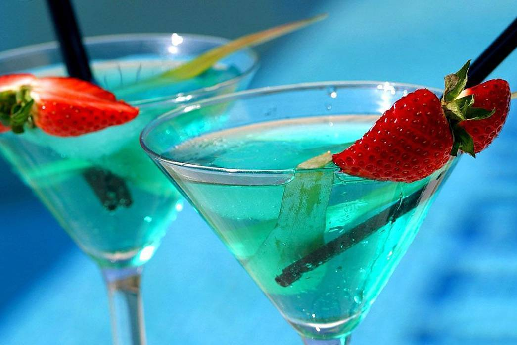 Голубая лагуна коктейль