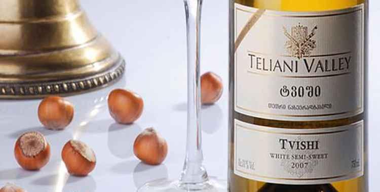 Твиши - белое полусладкое грузинское вино