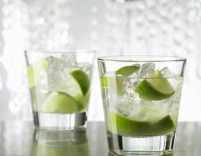 8 лучших коктейлей с водкой (классика никогда не умрет!)
