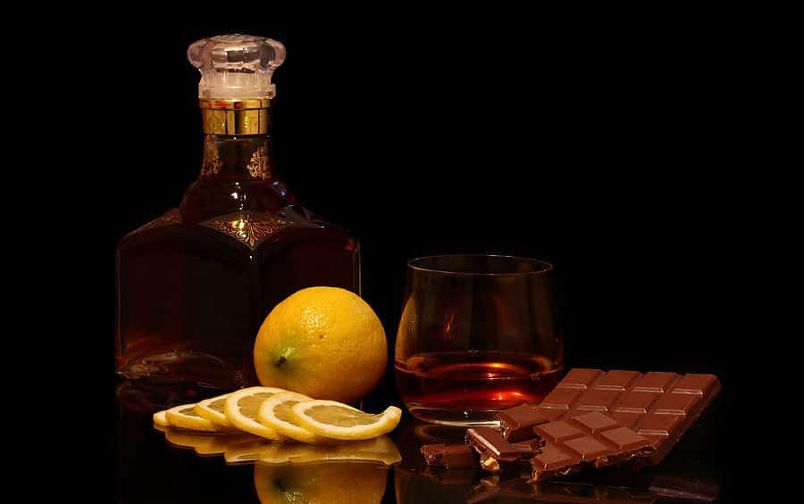 Кофе с коньяком: как называется, польза и вред, лучшие рецепты приготовления. как делать кофе натуральный и растворимый с коньяком и молоком, сливками, мороженым, лимоном: рецепт. сколько коньяка доба