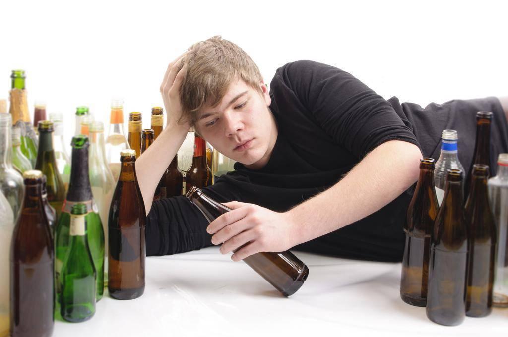 Опасности алкогольной зависимости в молодом возрасте