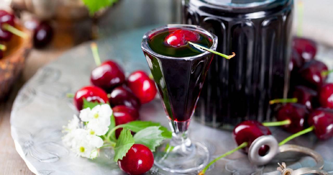 Рецепт приготовления вишни на коньяке в домашних условиях