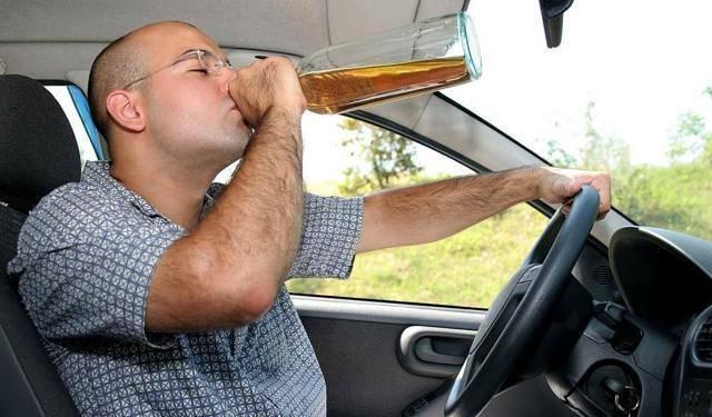 Можно ли пить энергетики за рулем: правовые нормы, возможные последствия
