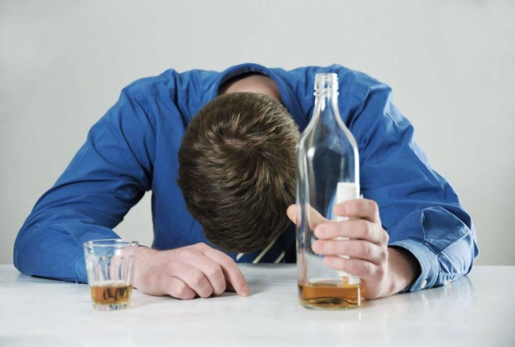 Что делать, если сын пьет: методы оказания помощи и рекомендации специалистов
