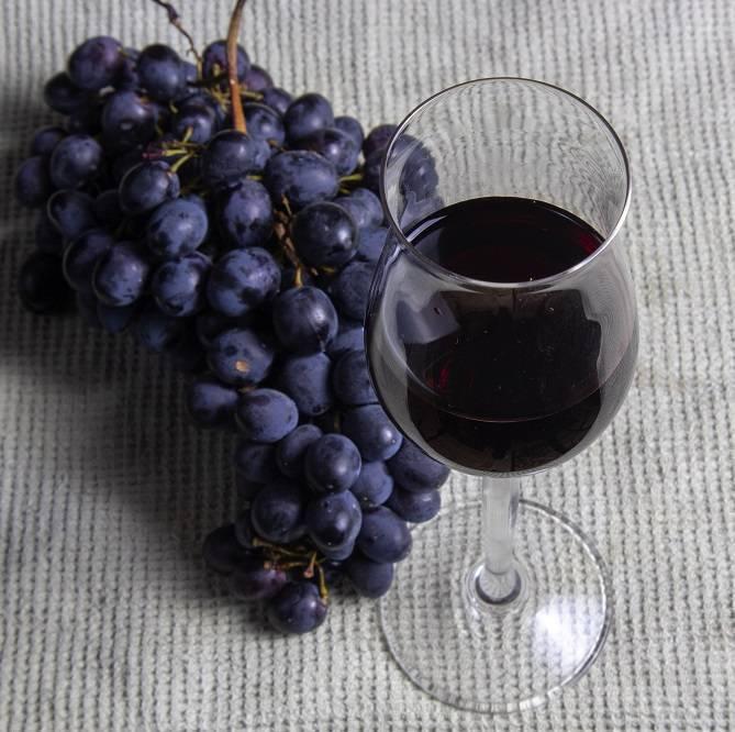 Как пить портвейн - серьёзная тема для ценителей отменного алкоголя