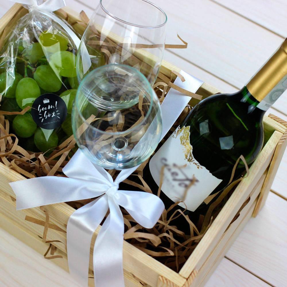 Подарок в коробке для девушки: идеи сборных презентов