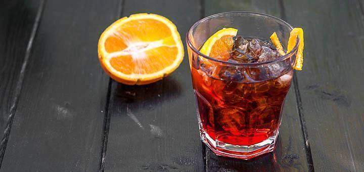 35 простых коктейлей, которые можно приготовить в домашних условиях