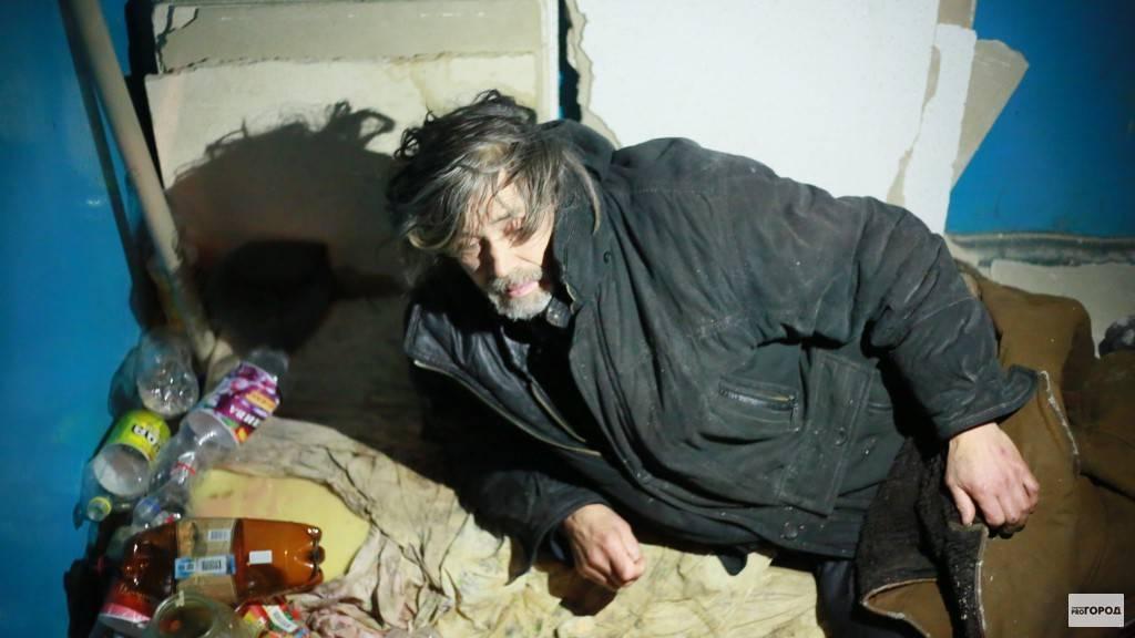 Узнайте, как написать заявление участковому на соседей пьяниц и дебоширов: образец коллективной и индивидуальной жалоб
