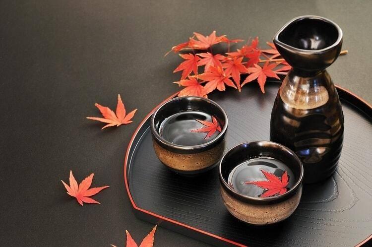 Как пить саке: из чего пьют японскую водку и как это правильно делать в домашних условиях   mosspravki.ru