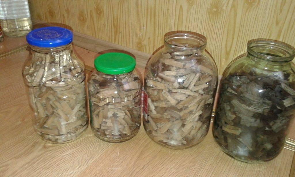 Домашний коньяк из самогона на дубовой коре, щепе, бочке - рецепты приготовления