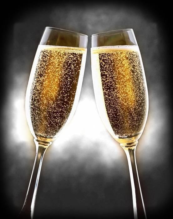 Крепость игристого вина: сколько градусов в шампанском российского производства и других сортах