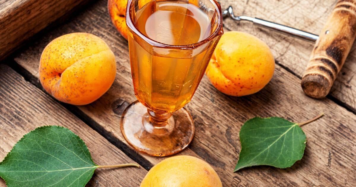 Вино из абрикосового варенья