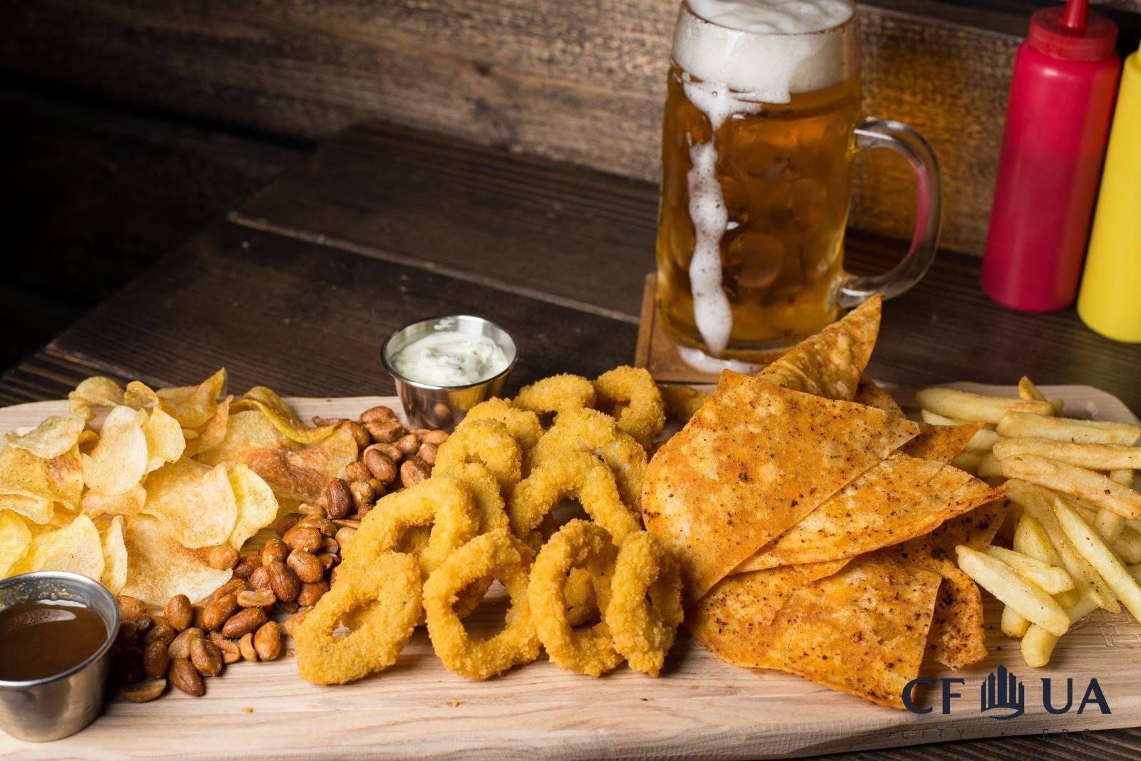 Низкокалорийные закуски к пиву: можно ли пить пиво на диете и существуют ли диетические снеки, самые лучшие рецепты