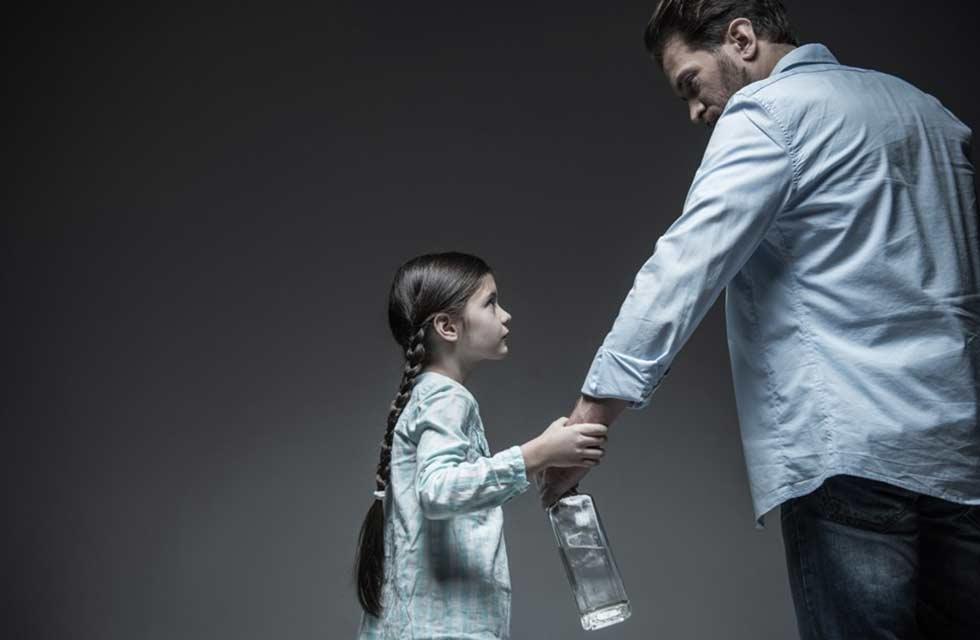 Что делать с алкоголиком в семье: советы близким, как себя вести и общаться с зависимым, а также бороться с пристрастием | suhoy.guru