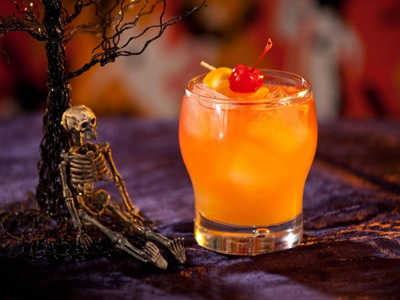 Алкогольные напитки на хэллоуин: идеи и примеры коктейлей