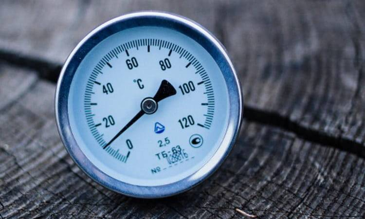 Как правильно установить термометр на самогонный аппарат. роль термометра в процедуре самогоноварения. какие термометры подходят для самогонных аппаратов