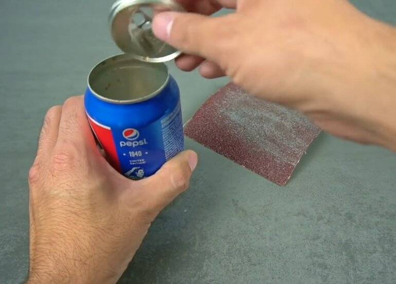 Как открыть банку: открывалкой колесиков для консервов, банку с железной крышкой, ножом