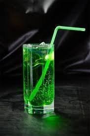 Как пить абсент в домашних условиях правильно и чем его лучше закусывать: пример употребления на видео, коктейль «зеленая фея» и подробные инструкции   suhoy.guru