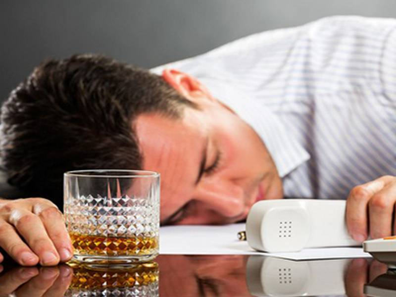 Можно ли пить при температуре 37...38 градусов алкогольные напитки