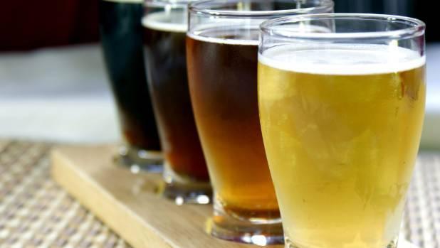 Алкоголь и инсульт: взаимосвязь, можно ли пить, вред или польза
