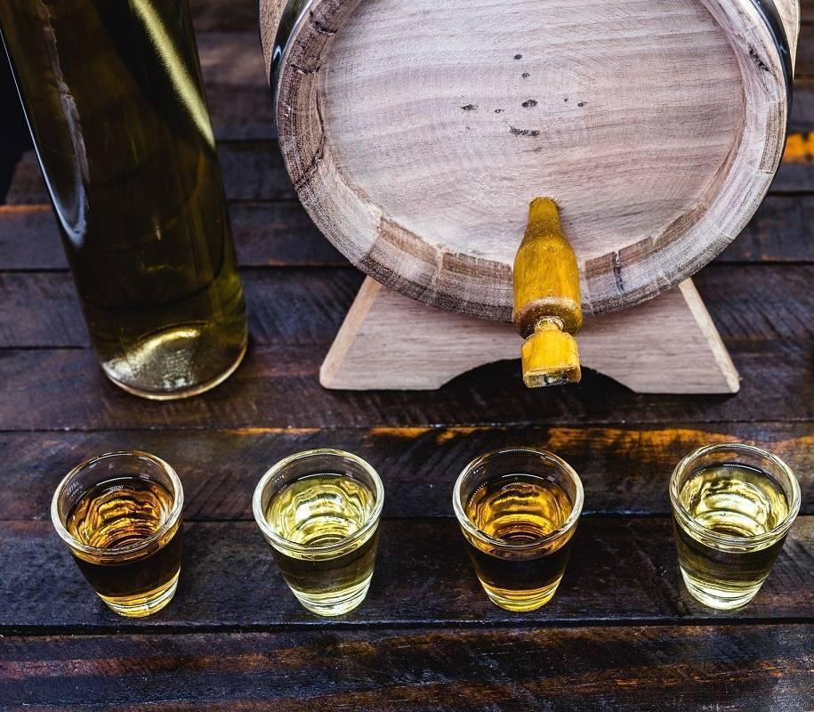 Что лучше водка или коньяк, виски или пиво? что полезнее для сосудов, что вреднее, что крепче, в чем различия напитков