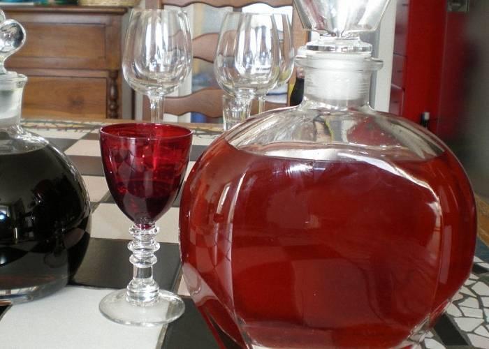 Как сделать вкусное и ароматное домашнее вино из клубники