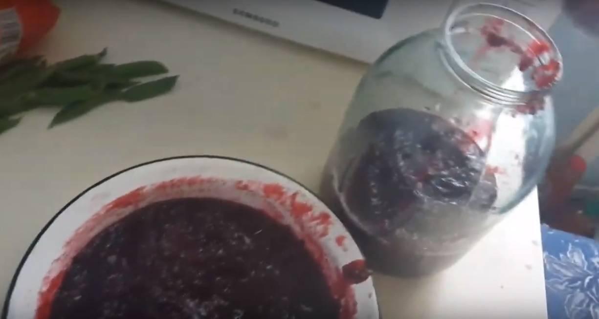 Домашнее вино из крыжовника и красной смородины - пошаговый рецепт