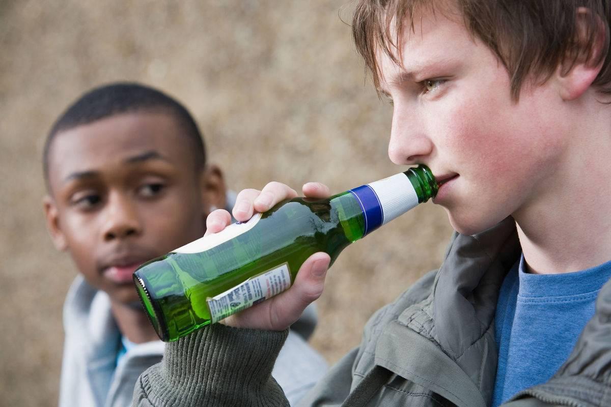 Подростковый алкоголизм: влияние и вред, причины и профилактика, особенности и лечение