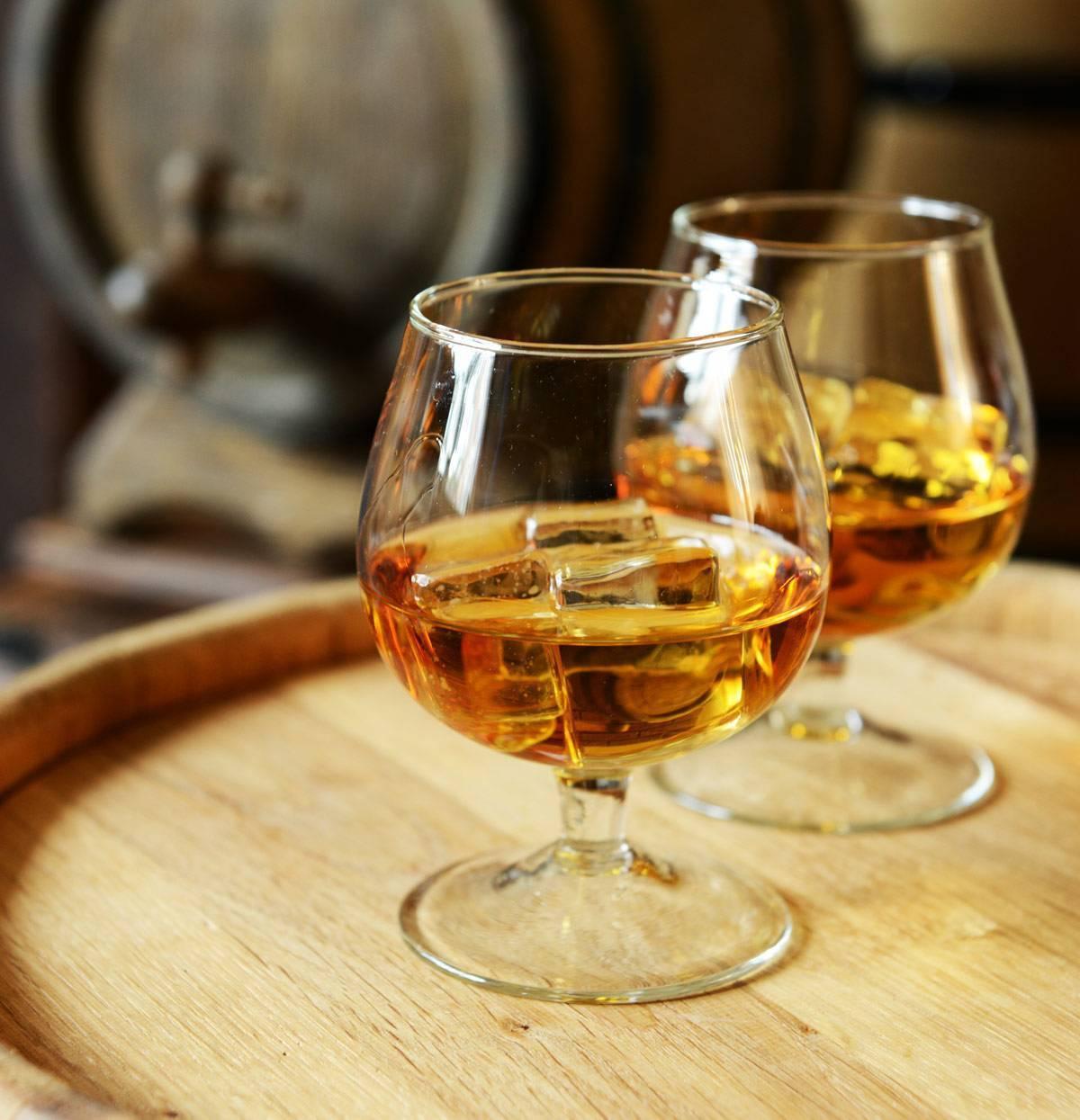 Водка или вино: что лучше пить и что вреднее?