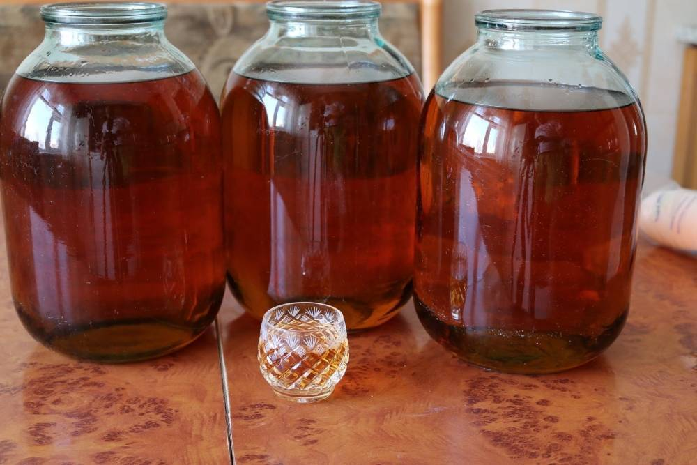 Приготовление коньяка из самогона с чаем – как правильно пить