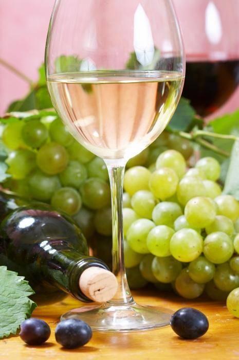 Как сделать шампанское в домашних условиях: как приготовить переливающееся и цветное игристое вино, а также этикетка онлайн бесплатно, рецепт с ананасом и ксю ксю | mosspravki.ru