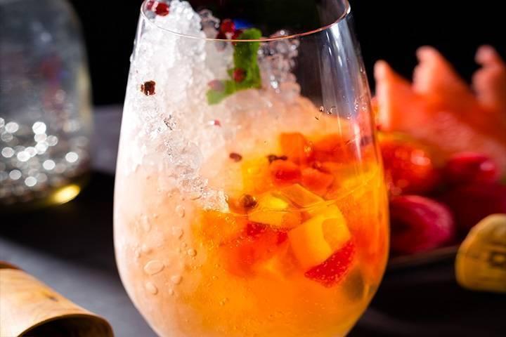 Советский рецепт приготовления коктейля шампань коблер. фруктовый коблер с шампанским