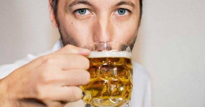 Как влияет алкоголь на холестерин в сосудах и можно ли пить при повышенном уровне липида