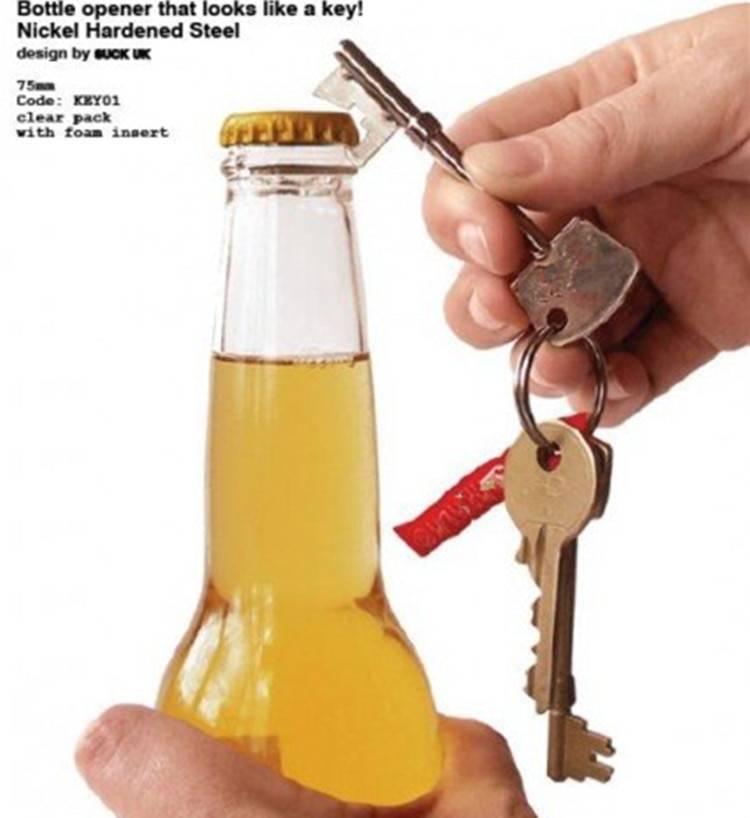 Если под рукой нет открывашки, как открыть пиво подручными средствами?