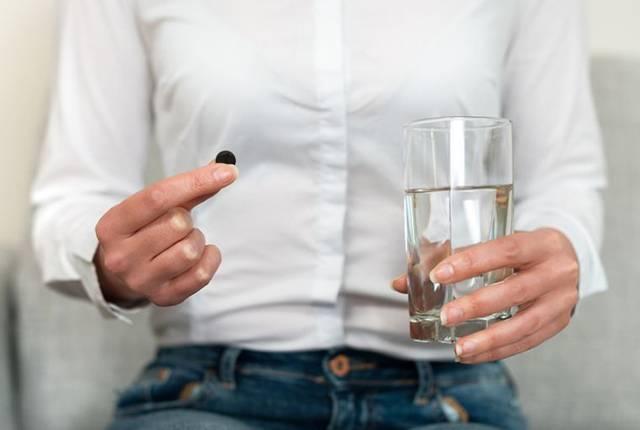 Активированный уголь и алкоголь: как принимать