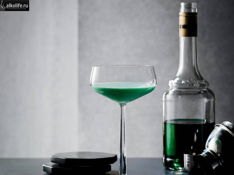 Кузнечик – вкусная зелень в бокале
