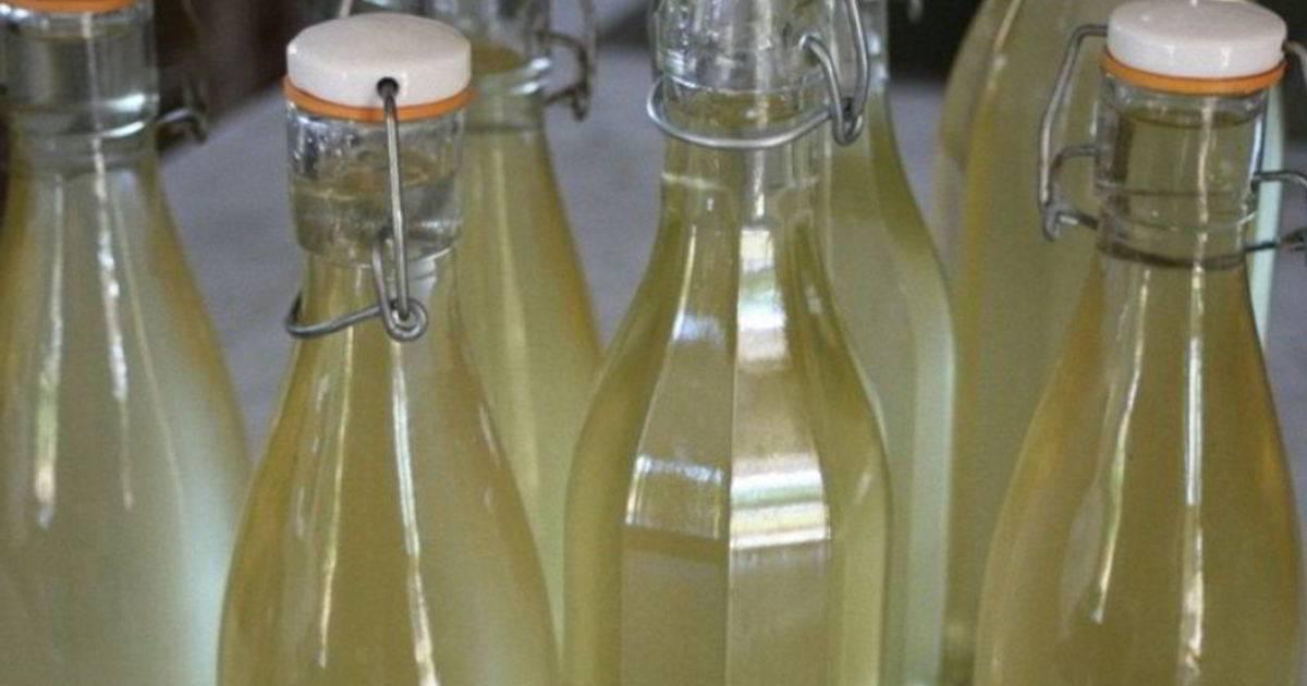 Готовим вино из крыжовника простое и не очень
